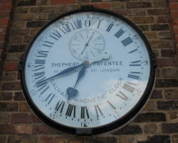 Pitmans Shorthand Christmas Carols: Greenwich Meridian clock, home of Greenwich Mean Time
