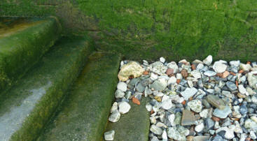 Greenwich - Thames foreshore steps and pebbles