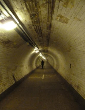 Greenwich - foot tunnel